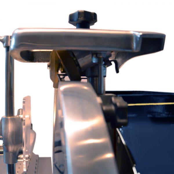 Trancheuse-Volant-Roussey-Bleu-Zoom-Affuteur-2